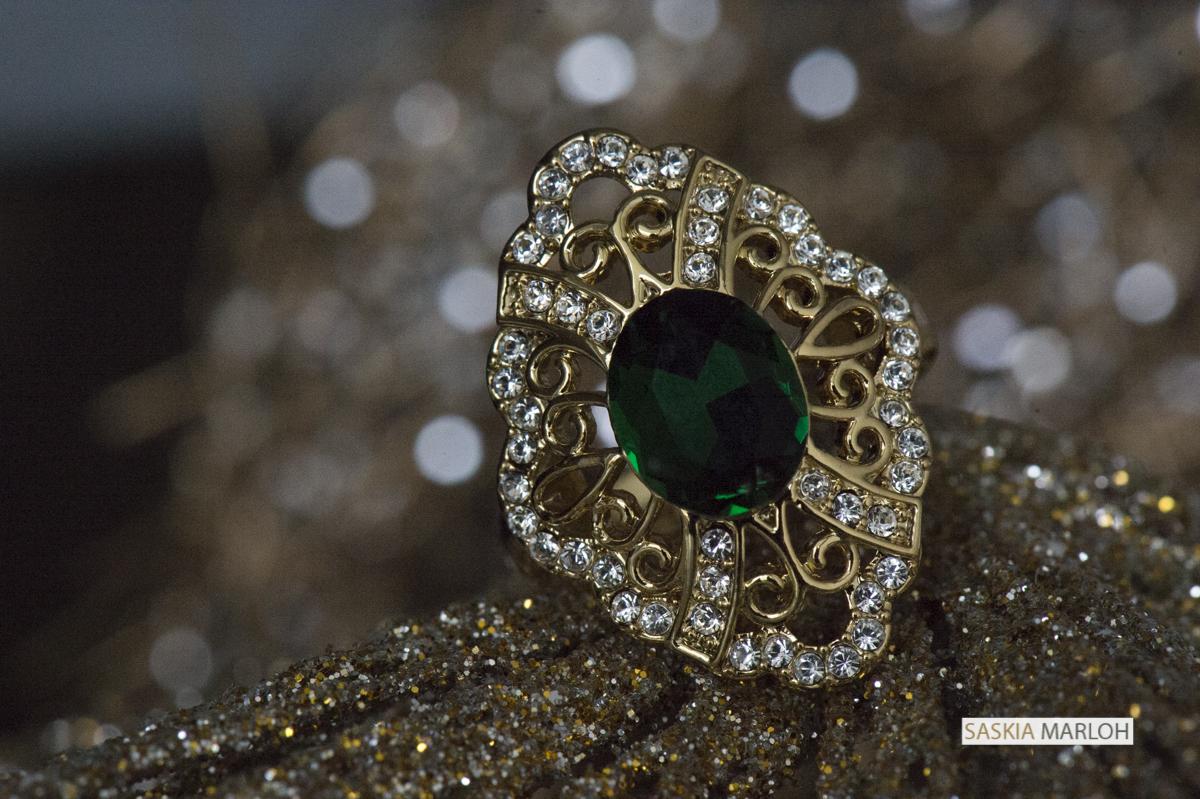 weding-detail-engagement-ring-female-wedding-photographer-emirates-saskia-marloh-9